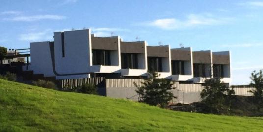 Casas de diseño en primera linea de golf en Caleta de Vélez