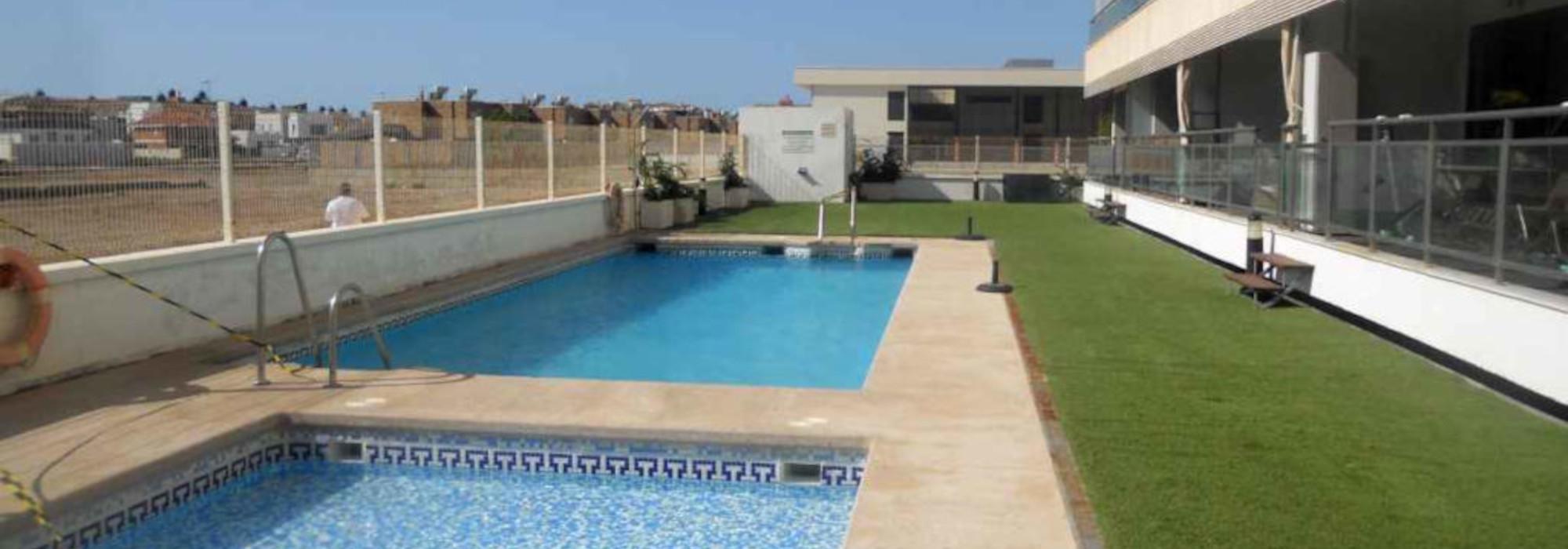 Zonnig appartement met terras en zeezicht